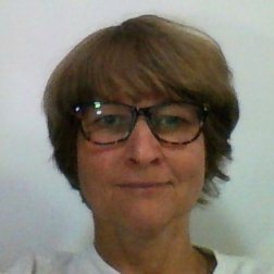 Varga-Hulesch Petra oktató