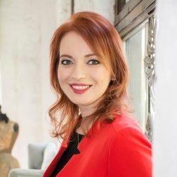 Máté Katalin oktató